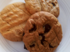 Simple Gluten and Dairy Free Peanut Butter Cookies